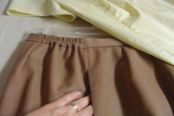 Pocket, waistband detail of Petite Plus Patterns 606 Classic Fly Front Pant